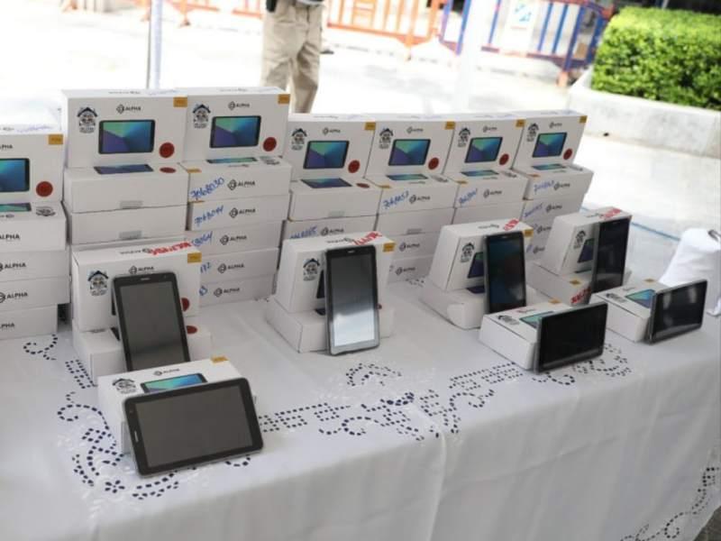 Educación comprará tablets