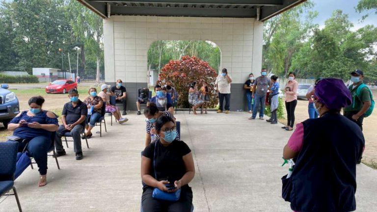 Pacientes esperan hospitalización: no hay cupo en triaje de INFOP