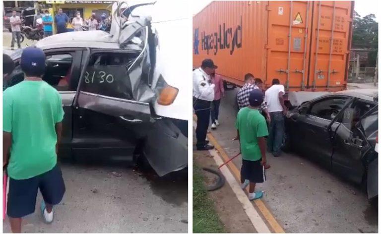 Dos rastras casi aplastan a otro conductor en Siguatepeque