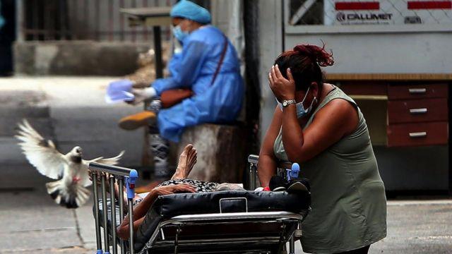 Los hospitales y centros de estabilización siguen abarrotados.