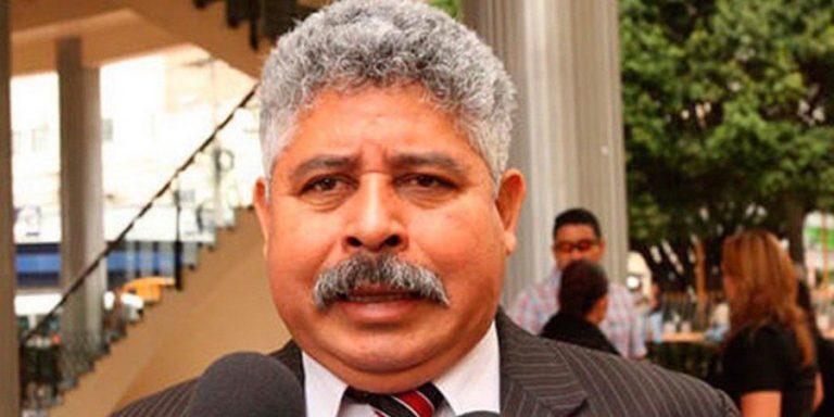 Ponce acusa a Bukele de querer ser como el presidente de Honduras