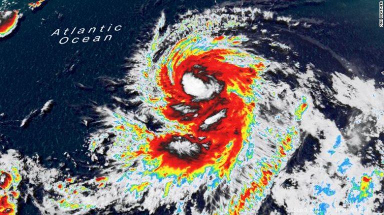Larry se convierte en huracán categoría 2 y podría intensificarse