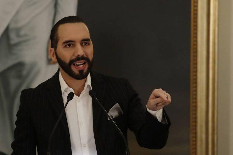 Gobierno de El Salvador defiende derecho de Bukele a reelegirse