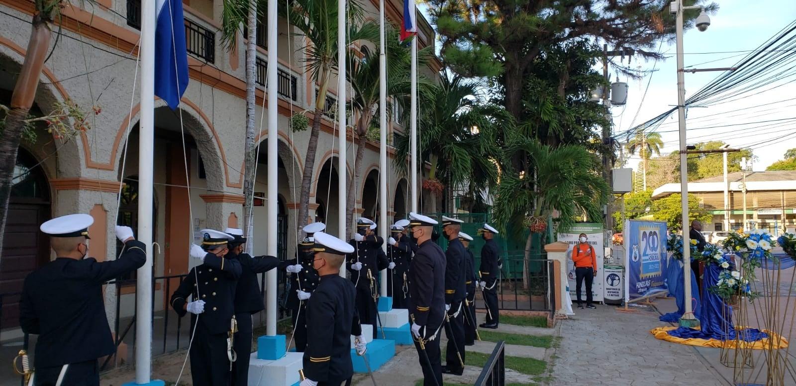 Conmemoración del Bicentenario en la Plaza Central de La Ceiba.