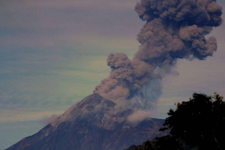 VÍDEO  Volcán de Fuego hace erupción en Guatemala