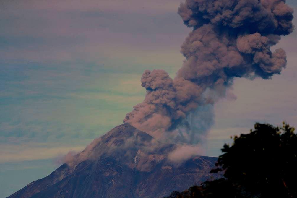 Lluvia de ceniza provocada por el volcán.