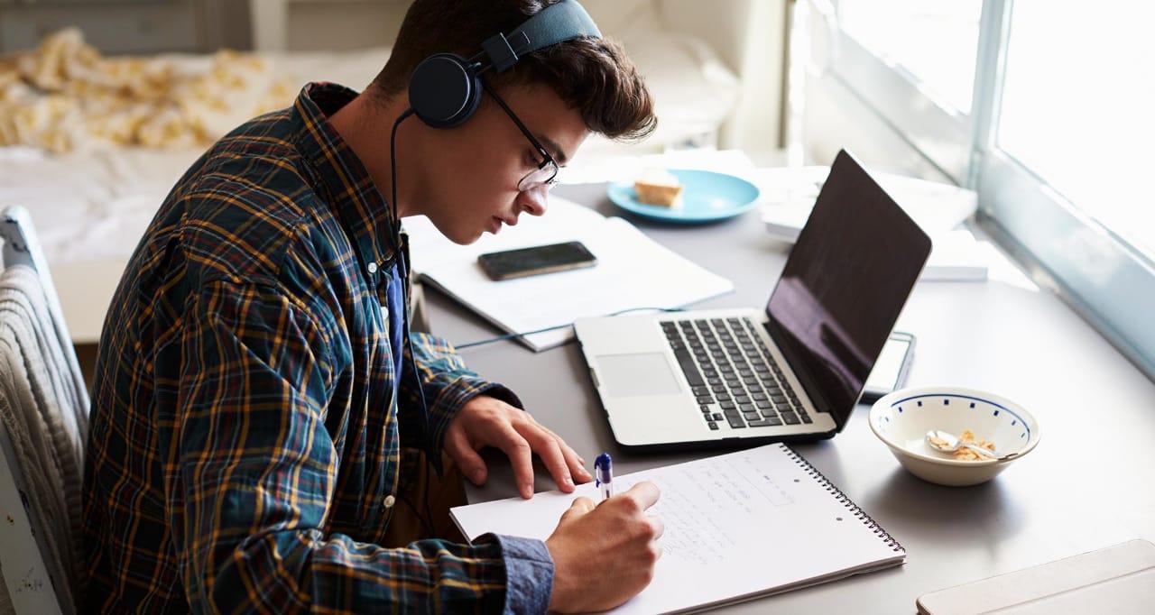 continuarán las clases de manera virtual