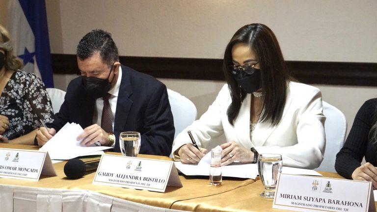 IAIP y TJE firman convenio para impulsar la Ley de Transparencia