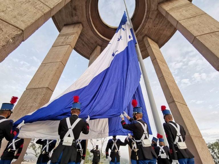 Así fueron inauguradas las fiestas patrias en Tegucigalpa