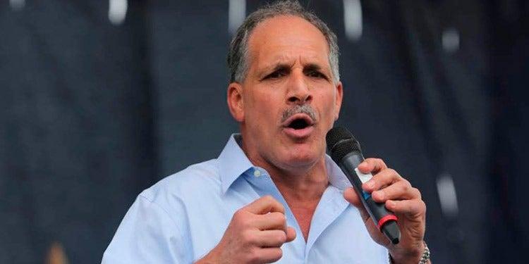 Asfura pide que no le paguen durante esté en campaña política
