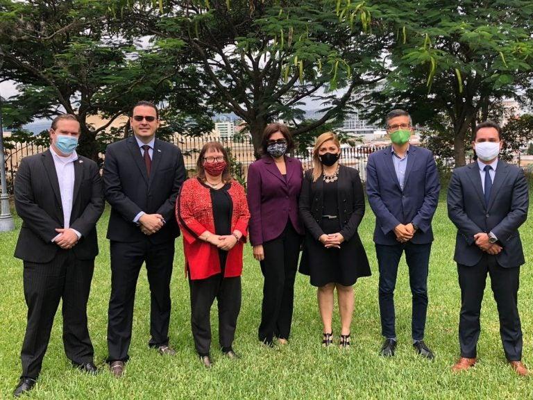 En reunión con el CNE, Embajada de EEUU insta a elecciones justas