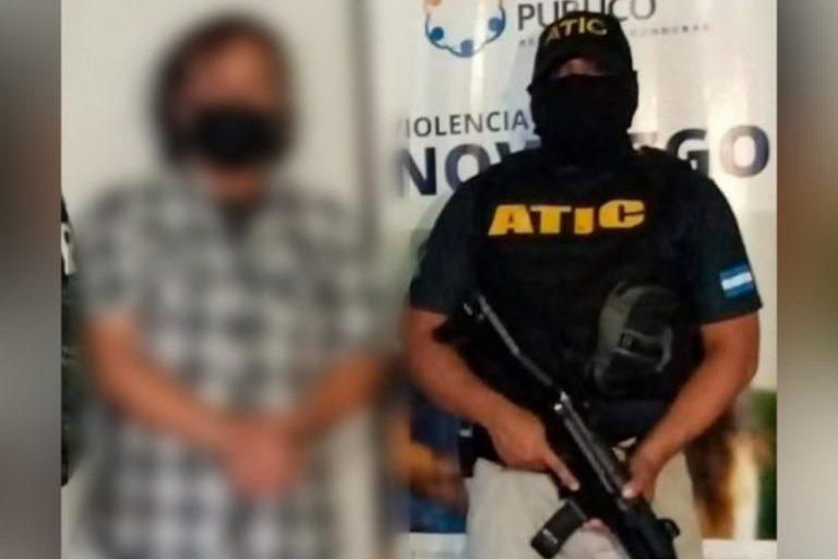 Prisión para hombre que disparó a policías y llevaba 2,4 millones