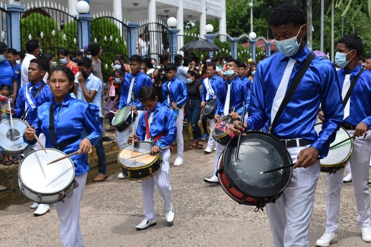 Banda de guerra en Colón.