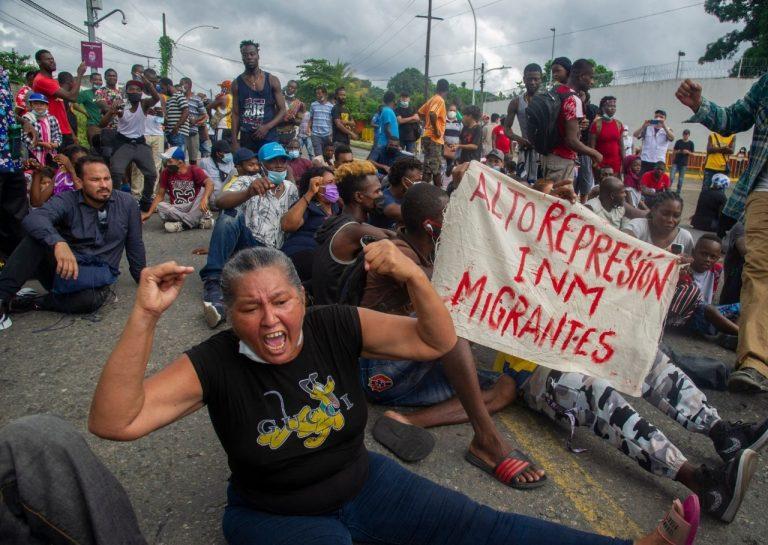"""""""Horrible estar aquí"""": Tapachula, cárcel para miles de migrantes"""