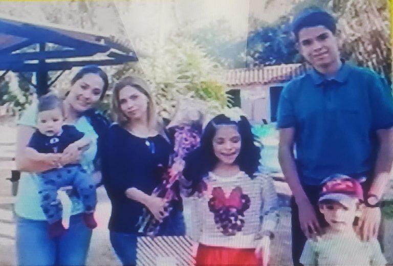 Rescatan a familia que naufragó cuando iba hacia Cayos Cochinos