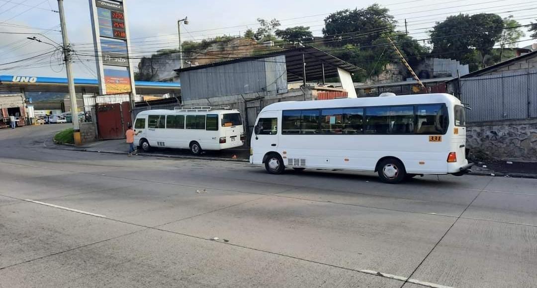 El paro de transporte se realizó en horas tempranas de este martes en varios sectores de la capital.