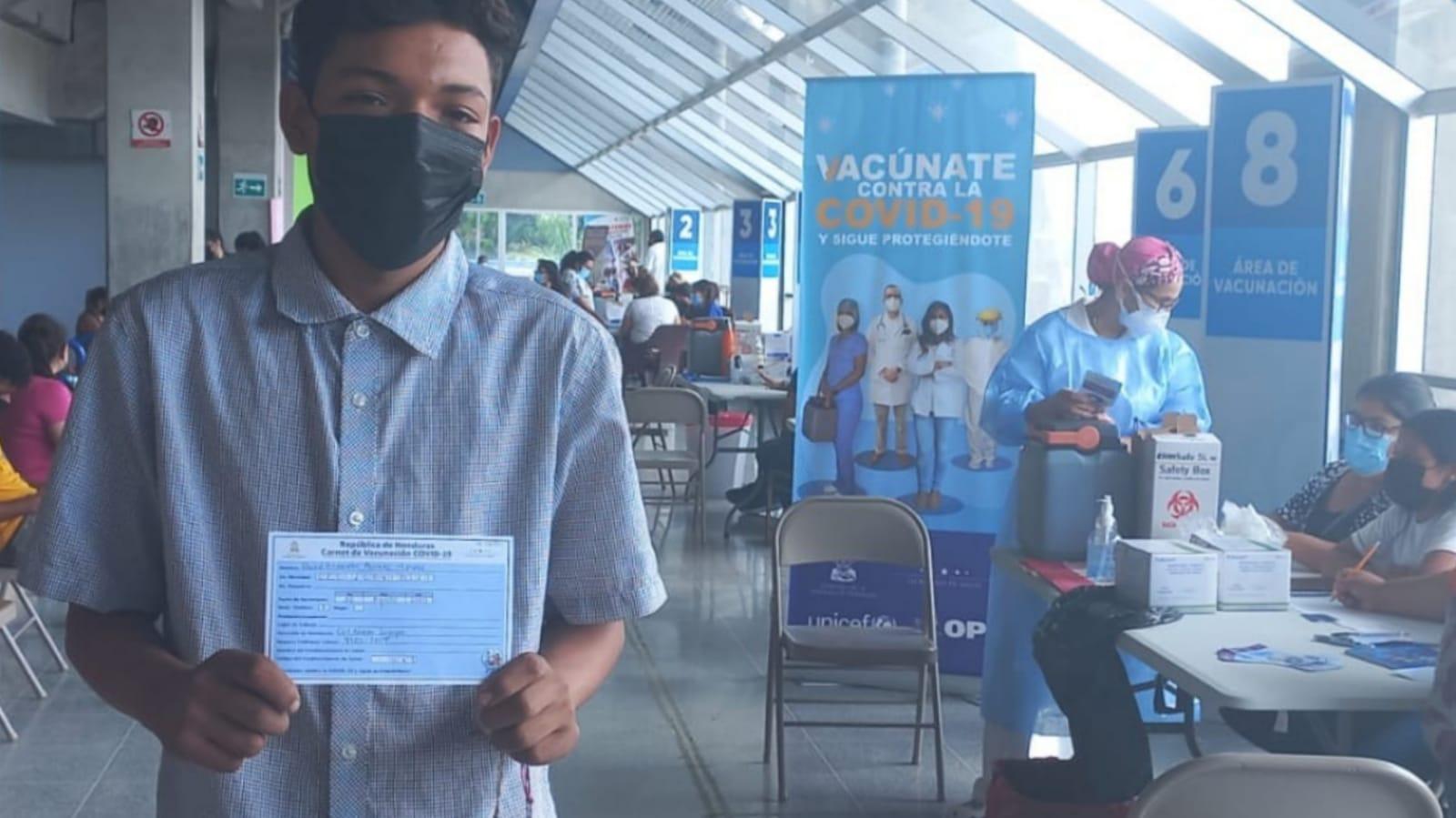 Sesal hondureños vacunados contra COVID-19