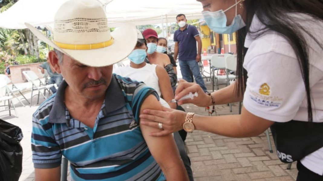hondureños vacunados contra COVID-19