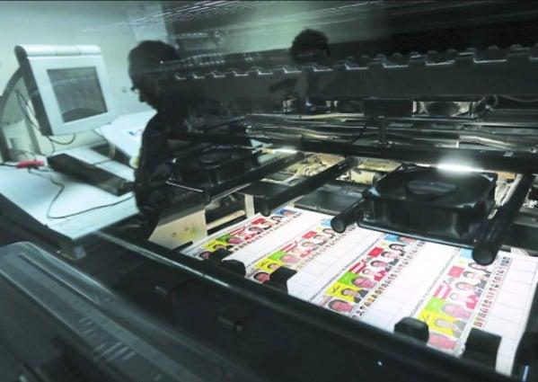 El CNE planea imprimir el 60 por ciento de las papeletas.