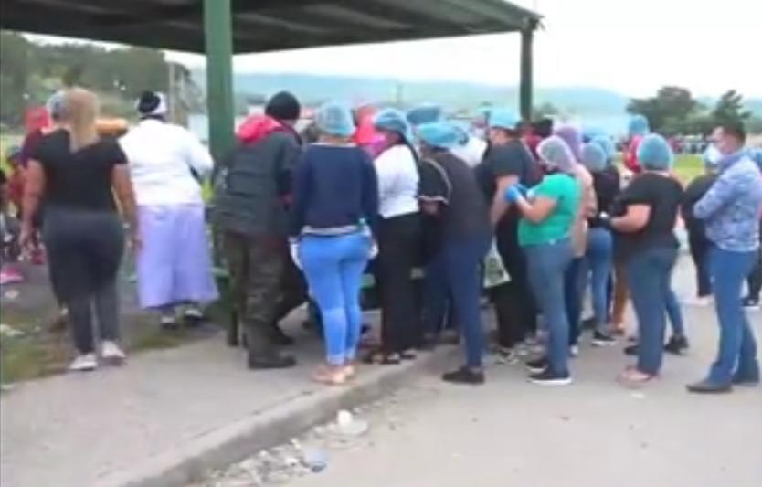 El proceso de ingreso al centro penal tardó varios minutos por los protocolos estipulados por el INP, el Sistema Nacional de Gestión de Riesgos (SINAGER) y la Secretaría de Salud.