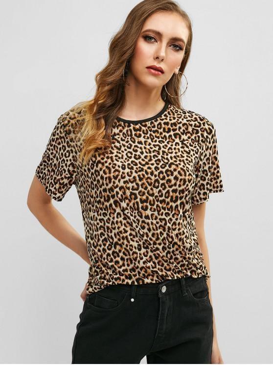 Las camisetas de leopardo son las prendas más comunes en los closets de las mujeres.