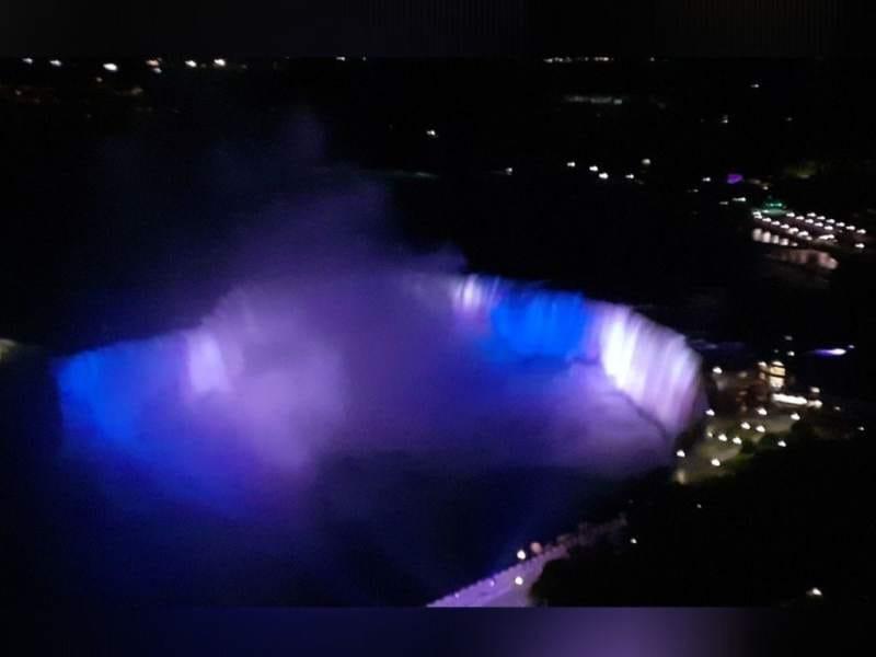 Cataratas del Niágara en bicentenario de Honduras