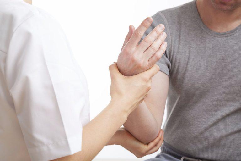 Varios recuperados de COVID-19 sufren dolor articular y muscular