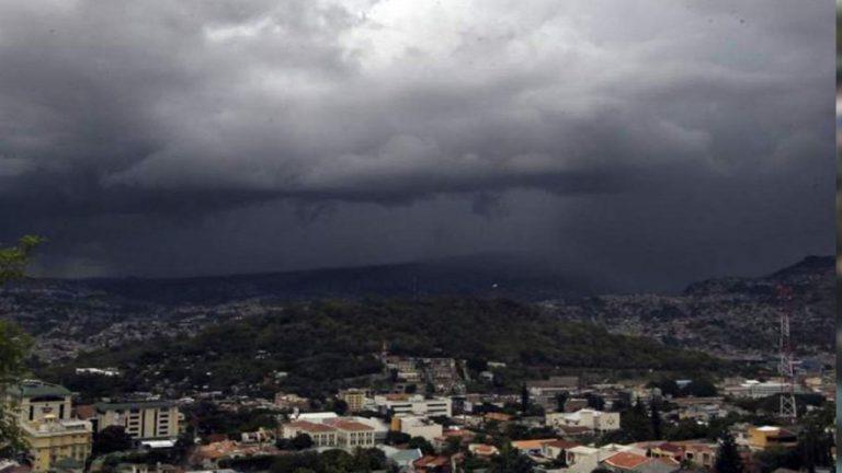CLIMA DE ESTA TARDE: lluvias y chubascos en tres zonas
