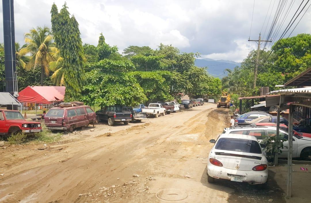 Comienzan obras de pavimentación en Cofradía por parte de la municipalidad de San Pedro Sula.