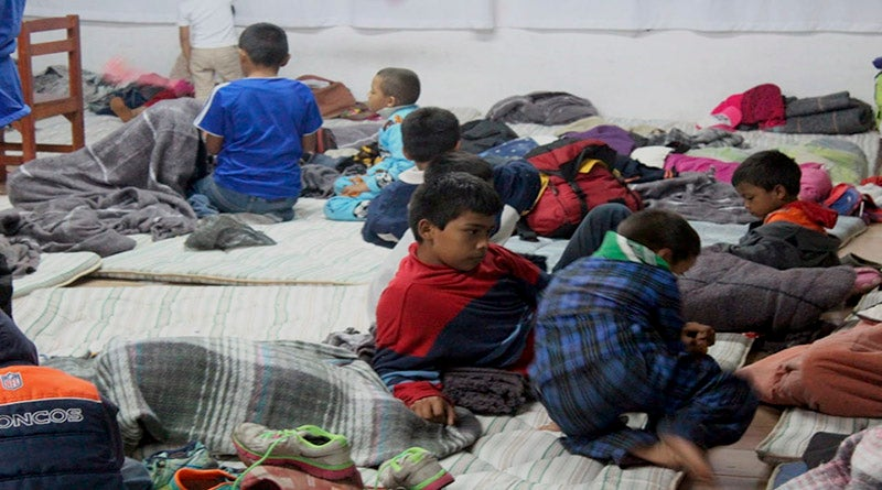 Como estos pequeños, miles de niños centroamericanos han sido abandonados en el trayecto de llegar a Estados Unidos.