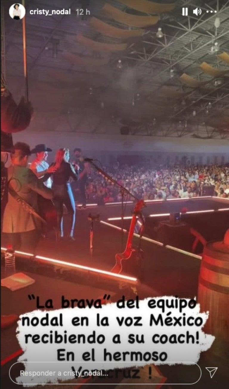 """Asimismo, cantó en compañía de """"La Brava""""."""