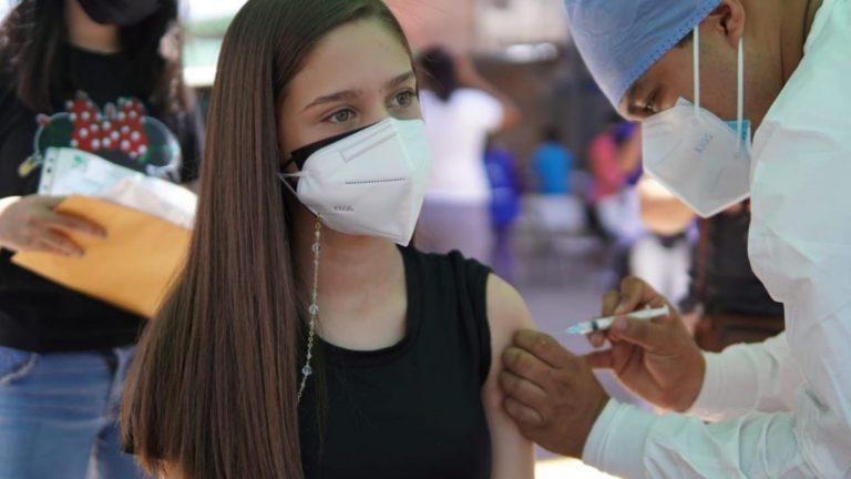 Hoy no hay vacunación: suspenden jornada por feriado nacional