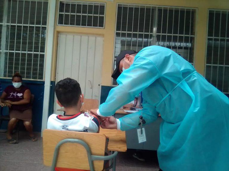 Dónde y quiénes pueden vacunarse este día contra la COVID-19