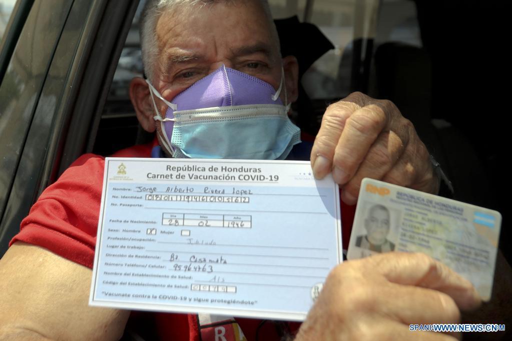 Los hondureños deberán presentar su carnet de vacunación.