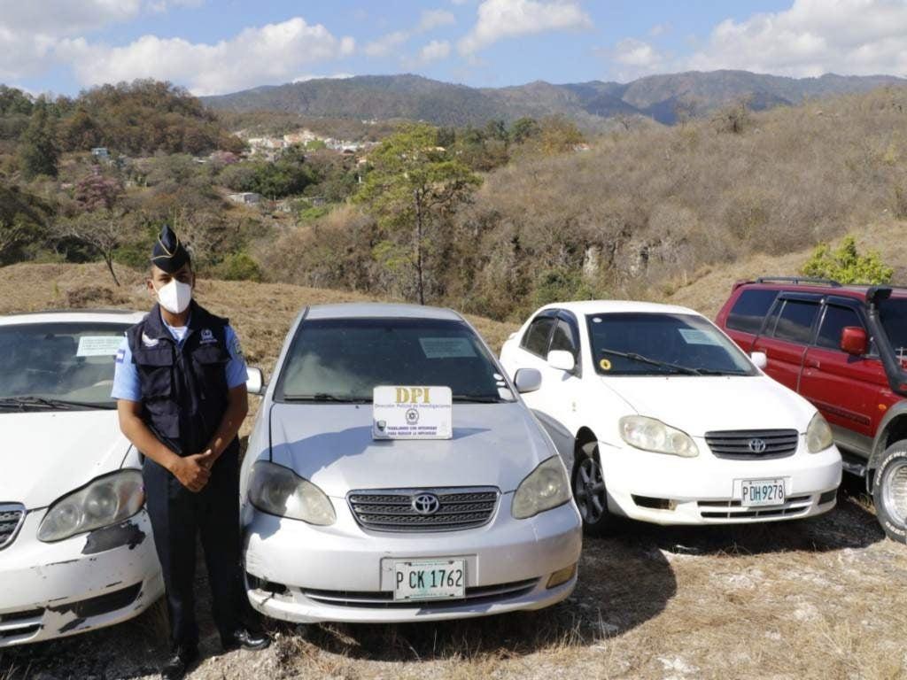 Los propietarios solo deben presentar los documentos que certifican que son dueños de los vehículos.